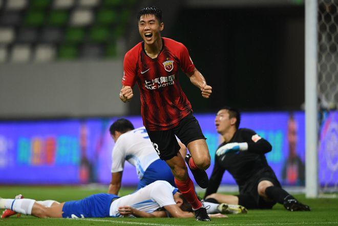 中超-奥斯卡两助攻新援两射一传 海港5-0胜天津