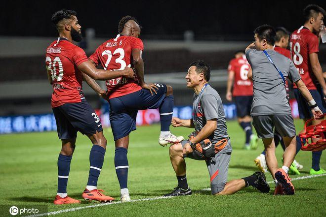 中超-冯劲博拉尼奥斯各传射 重庆4-0广州城结束4连败