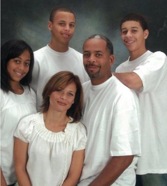 曝库里父母正在协议离婚 他们养育了2个NBA神射手