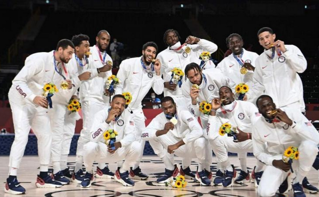 库里祝贺美国男篮夺金:我们的技术所向披靡!