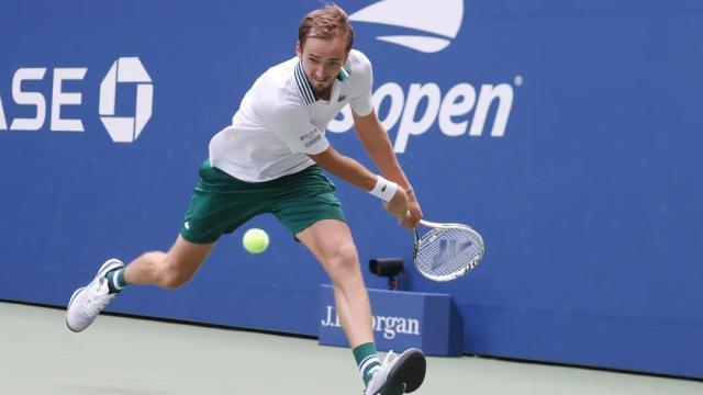 梅德维德夫淘汰安杜阿尔 连续3年进美网男单16强