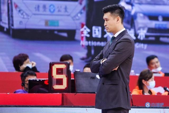 霍楠:每个球员都尽可能去调查 只望不负南京球迷