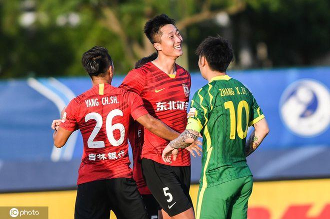 中超-谭龙首球李磊乌龙送礼 国安0-2亚泰跌出前4