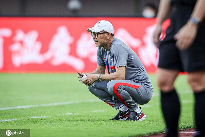 重庆主帅:感谢政府感谢球员 要不联赛都踢不了!