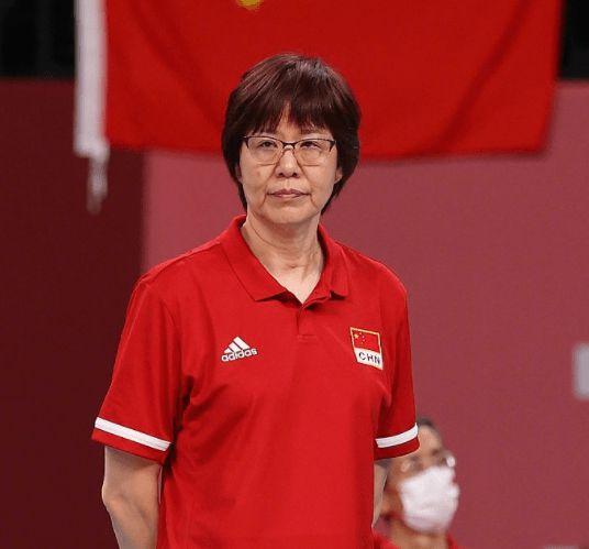 离任后首站为母亲扫墓 郎平:东京奥运不圆满很遗憾
