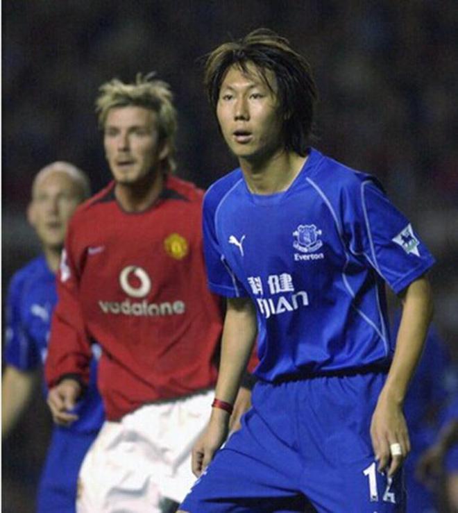 李铁解说埃弗顿直言利物浦是蓝色的 遭红军球迷狂骂