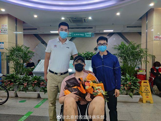 孙桐林完成脚踝手术 第一阶段骨折后选择带伤出战