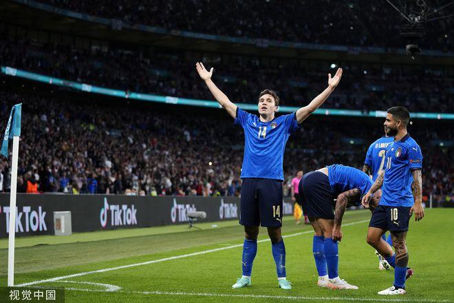 尤文23岁名将欧洲杯第2球!超越父亲 超霸气庆祝