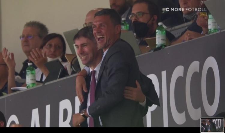 都是爱!安布:我从没见过马尔蒂尼这样庆祝,哪怕是他自己进球后